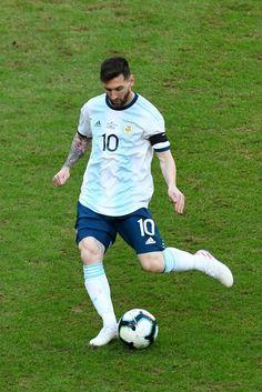 Messi Vs, Messi Soccer, Football Boys, Adidas Football, Fc Barcelona, Cr7 Junior, Messi Argentina, Lionel Messi Wallpapers, Leonel Messi