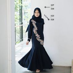 Abaya Fashion, Muslim Fashion, Skirt Fashion, Edgy Style, Casual Chic Style, Trendy Fashion, Fashion Models, Fashion Looks, Classy Photography