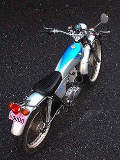 Honda Scrambler, Honda Motorcycles, Cars And Motorcycles, Cb Cafe Racer, Honda Dirt Bike, Honda 125, Moto Car, Trial Bike, Japanese Motorcycle