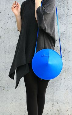 Circle Bag | by IF irinaflorea | geometric | minimalist | leather | blue | https://www.facebook.com/irinafloreadesign/