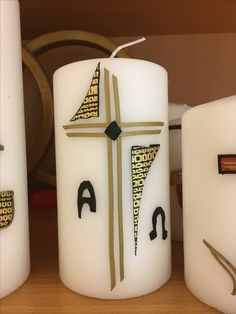 #Trauer #Allerheiligen #Grab Baptism Candle, Pillar Candles, Diy And Crafts, Mugs, Tableware, Baby, Decorated Candles, Ikea Candles, All Saints Day