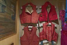 Men's vests to different Finn-Swedish folk costumes. Photo: Linda Varoma