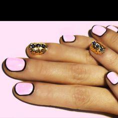 Short nails need #nailart too! Marina and the Diamonds Nails #pink #gold