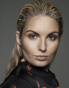 Louise O'Reilly #maven46 Strike A Pose, Blondes, Climate Change, Beauty Makeup, Poses, Brown, Fashion, Figure Poses, Moda