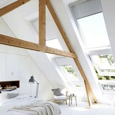 attic bedroom with a lot of natural light! Style At Home, Interior Architecture, Interior Design, Architecture Images, Modern Interior, Home Bedroom, A Frame Bedroom, Eaves Bedroom, Airy Bedroom