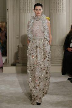 1738 nejlepších obrázků z nástěnky haute couture a doplnky v roce ... c099f79a5f