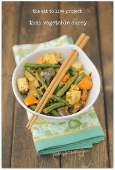 Healthy Girl's Kitchen: The Eat to Live Cookbook Project: Thai Vegetable Curry