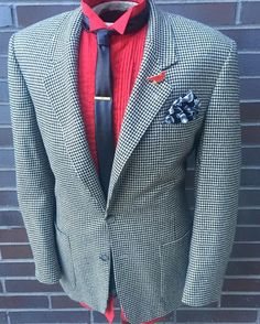 #houndstoothblazer the possibilities are vast! #vintagemenswear #vintagemenswearblogger #stylist #menswearstylist #shirt #houndstooth #blazer #size 44L available @http://ift.tt/246lGZu #mensweardaily #menswear #mensfashion #tiebar #gents #gentsfashion #gentlemanstyle #gentleman #gentlemen #dapper #dapperman #dapperstyle by teral_salvageapparel