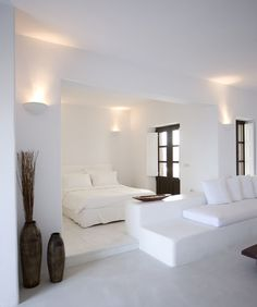 White is known as the colour of purity and natural beauty and it is the perfect colour to decorate your home! Get the perfect white interior design for this summer and surrender yourself to this white inspiration. Home Design, Interior Design, Design Ideas, Ibiza Style Interior, Design Design, Interior Shop, Villa Design, Interior Doors, Kitchen Interior