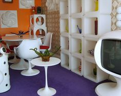 Send us your Retro Rooms! - Retro to Go 1960s Interior Design, Retro Design, Design Design, Futuristic Interior, Look Retro, Retro 9, Retro Vintage, 70s Home Decor, Retro Room