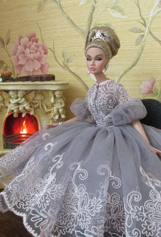 Curated by Suburban Fandom, NYC Tri-State Fan Events… Barbie Gowns, Barbie Dress, Barbie Clothes, Fashion Royalty Dolls, Fashion Dolls, Poppy Doll, Barbie Wedding, Poppy Parker, Barbie Collection