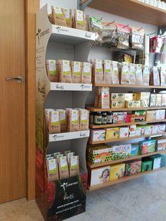 Hoy os traemos un nuevo sitio donde encontrar nuestros productos. Este expositor lleno con nuestras infusiones se encuentra en la localidad de Patiño (Murcia), en la para-farmacia @nutrisur😋  Como siempre os decimos si queréis que promocionemos vuestra tienda solo tenéis que hacernos llegar vuestras fotos😉   #Josenea #DelCampoALaTaza #Productos #Ecológicos #Organic #Products #Tienda #Shop #Infusiones #Infusion #Te #Tea