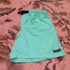 Columbia Baggies (women's) New condition. Columbia Shorts