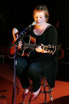 December 9 2007 - Adele, live and unplugged, at the BBC's Maida Vale stuidos in London. Adele Instagram, Celebrity Photos, Celebrity Style, Adele Style, Oasis Music, Adele Photos, Adele Adkins, Bae, Red Carpet Looks