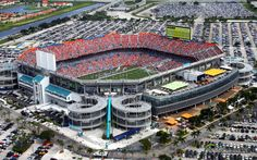 Dolphins Stadium, Miami, FL Went here for Orange Bowl. Miami Dolphins Stadium, One Direction Tickets, Stadium Wallpaper, Costa, Hurricanes Football, Miami Hurricanes, Miami Gardens, Sports Stadium, Nfl Photos