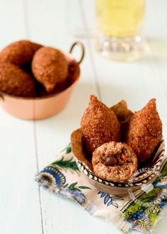 Kipe or Quipe Recipe (Deep Fried Bulgur Roll) owes its origins to the Middle East immigrants who moved to the south of the Dominican Republic in the century. Cuban Recipes, Dutch Recipes, Cooking Recipes, Canadian Recipes, Amish Recipes, French Recipes, Vietnamese Recipes, Pie Recipes, Italian Recipes