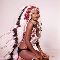 Pam Grier in An Indian Costume is listed (or ranked) 12 on the list Hottest Pam Grier Photos is part of Beautiful black women - Native American Girls, Native American Beauty, Jackie Brown, Black Is Beautiful, Beautiful Pictures, Beautiful Women, Indian Costumes, Black Indians, Vintage Black Glamour