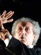 """""""Lunatica"""" a Massa Carrara Teatro, musica e danza. Libertà e passione i temi del Festival di quest'anno. Dal 22 luglio al 3 agosto 13 serate e ben 26 spettacoli."""