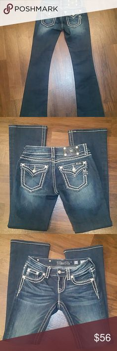 """MISS ME Signature bootcut jeans 26X32 MISS ME Signature bootcut jeans 26X32 These are in very good condition /*PLEASE NOTE hem has been Tailored to a 32""""inseam (original inseam was 34),  otherwise in """"VERY CONDITION""""  COLOR 133/dark was  VERY GOOD CONDITION!!!!!!! Miss Me Jeans Boot Cut"""