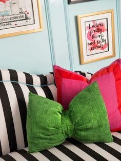 Bedroom: White And Black Striped Sofa In Tween Bedroom. teenage bedroom ideas. black and white striped bedding. pink cushions. green throw pillow. framed quote wall art. soft blue bedroom.
