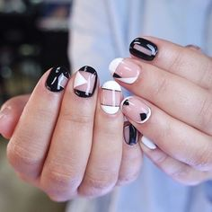 Awesome black and white manicure - Reny styles Toe Nail Art, Toe Nails, Nail Designs Spring, Nail Art Designs, Short Nail Manicure, White Manicure, Korean Nail Art, Korean Nails, Self Nail