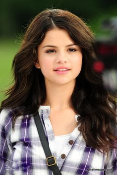 Awesome Selena Gomez hairstyles 2013 look cute and more attractive in the red carpet event with her updos hairstyle. Selena Gomez Hairstyles 2013 are the best Selena Gomez Fashion, Selena Gomez Fotos, Selena Gomez Outfits, Selena Gomez Linda, Selena Gomez Trajes, Selena Gomez Cute, Selena Gomez Pictures, Selena Gomez Style, Selena Gimez