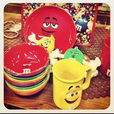 M&M Party Motif idea! Kids will surely love this sweet & colorful party! :)