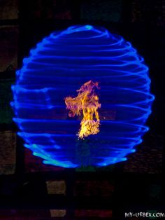 Awesome lightpaiting !