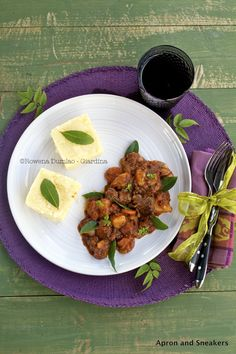 Apron and Sneakers - Cooking & Traveling in Italy: Beef Stew in Chorizo and Red Wine Sauce with Polenta