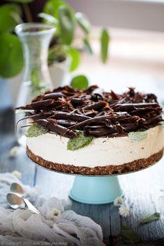 sernik miętowy z czekoladą na zimno Tiramisu, Ethnic Recipes, Food, Essen, Meals, Tiramisu Cake, Yemek, Eten