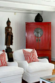 Beautiful Asian interior design that you can see in this selection Red Furniture, Interior Design, Oriental Interior, Interior, Asian Home Decor, Asian Decor, Asian Inspired Decor, Red Home Decor, Asian Interior
