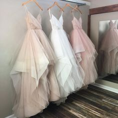 Blush Pink Champagne White Spaghetti Straps V Neck Tulle Wedding Ball Gown Dresses