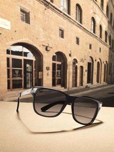 4d0f3a6d74 Gucci nos sorprende con una nueva joya para nuestros ojos. El modelo de  gafas de