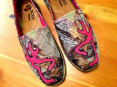 Hey, I found this really awesome Etsy listing at https://www.etsy.com/listing/177497779/painted-browning-camo-realtree-hunting