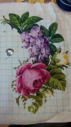 Gallery.ru / Фото #5 - Букет от Баси) (закончен) - ole4ka16 Cross Stitch Art, Cross Stitch Flowers, Cross Stitching, Cross Stitch Embroidery, Cross Stitch Patterns, Cross Stitch Landscape, Crochet Cross, Embroidery Patterns Free, Handmade Design