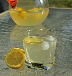 Simple Homemade Lemonade @Judith Zissman de Munck Enyart Girl Cooks