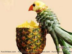 Pineapple Fruit Art - How cool is this?!?!