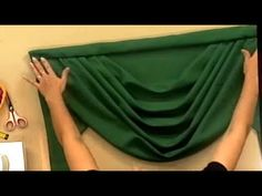Como hacer un Drapeado para cortinero de tubo. 5/5 - YouTube Swag Curtains, Curtains And Draperies, Home Curtains, Window Curtains, Valance Patterns, Easy Crafts For Teens, Curtain Designs, Dressy Tops, Traditional Decor