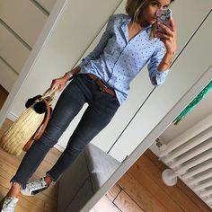 Du bleu du gris et de la pluie, encore et toujours de la pluie ... #unegrosseblagueceprintemps#outfit#ootd#dailypost#dailylook#dailyoutfit#instalook#instafashion#fashionpost#fashiondiaries#fashionblogger#wiwt#picoftheday chemise#stradivarius jean#mango panier#lafilledemargaret ceinture#sessun collier#alexianebijoux (code promo LESFUTILES15) baskets#goldengoose