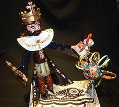 Comemoração dos quinhentos anos do Foral de Barcelos -D Manuel entrega o Foral ao Galo de Barcelos- papel reciclado por Elmar. Oficina D´Artes