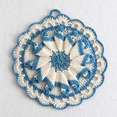 Picture of Vintage Blues Potholder Crochet Pattern                                                                                                                                                     Mais