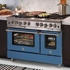 Discover chef-inspired kitchen appliances handcrafted for professional-grade results. Create your custom kitchen with BlueStar ranges & refrigerators. Kitchen Stove, Kitchen And Bath, New Kitchen, Kitchen Appliances, Kitchen Ideas, Kitchen Ranges, Kitchen Decor, Kitchen Supplies, Updated Kitchen