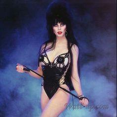 Elvira Mistress of The Dark Cassandra Peterson Photo RARE Buy 2 Get 1 for sale online Cassandra Peterson, Goth Beauty, Dark Beauty, Steam Punk, Desenhos Hanna Barbera, Pin Up Photos, Gothic Girls, Cosplay, Woman Crush