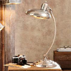 Beautiful Tischlampe Carroll Die gl nzende Metalllampe pr sentiert sich inspiriert vom Bauhaus Sie bringt jedoch ihren ganz eigenen Charme mit
