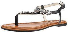 Dieses Schmuckstück stammt von der allseits beliebten Marke BUFFALO! Die Sandalette besitzt ein synthetisches Obermaterial, das auf der Vorderseite durchgehend mit Strass- und Metallapplikationen gestaltet wurde. Die Decksohle ist leicht ausgepolstert, sodass einen guten Halt besitzen. Der praktische Riemenverschluss lässt sich individuell verstellen und ermöglicht ein bequemes An- und Ausziehe...