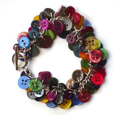 Button bracelet Craft for Teens-for Tori...one button for each person praying for her