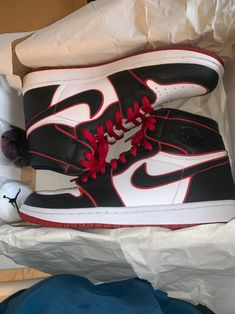 Deadstock air Jordan 1 high OG if you want more pictures just ask willing to hear offers as well Nike Air Shoes, Nike Shoes Outlet, Air Jordan 3, Jordan Shoes For Women, Aesthetic Shoes, Hype Shoes, Fresh Shoes, Jordan Outfits, Sneakers Fashion