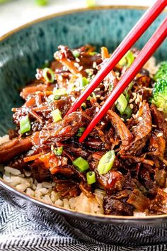 Slow cooker Asian Caramel Pulled Pork in green bowl with chopsticks Pulled Pork Recipe Slow Cooker, Slow Cooker Pork Tenderloin, Pulled Pork Recipes, Pork Tenderloin Recipes, Pork Tenderloin Asian, Asian Pulled Pork Recipe, Pulled Pork Wrap, Shredded Pork Recipes, Slow Cooked Pulled Pork