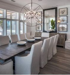 100+ Lovely and Elegant Dining Room Chandelier Lighting Ideas #diningroom #chandelierlighting #diningroomideas