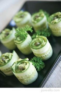 Delicious healthy hors d'oeuvres : Cucumber Rolls with creamy avocado